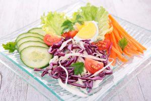 ensalada-verduras-repollo-zanahoria-pepino