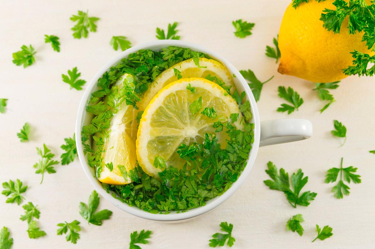 Remedio de Licuado de Perejil, Zanahoria y Limón para la
