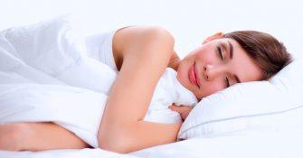 bigstock-Beautiful-girl-sleeps-in-the-b-87285971
