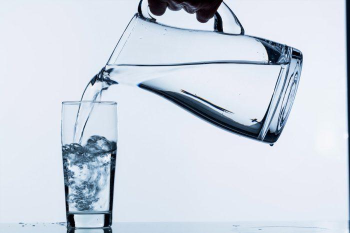 Agua-jarra