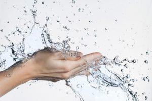 manos-agua