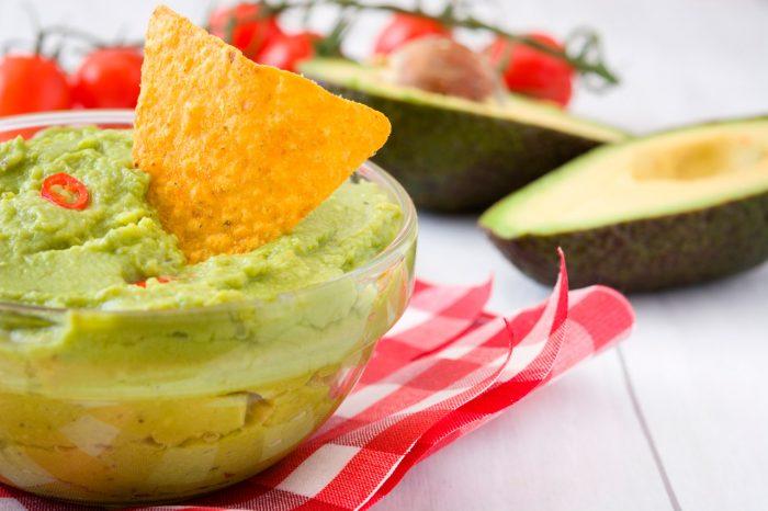 aguacate-guacamole-nachos