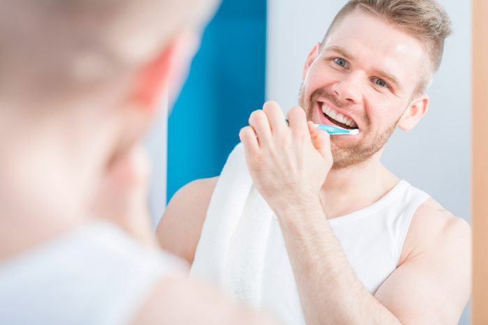cepillar-dientes-blancos