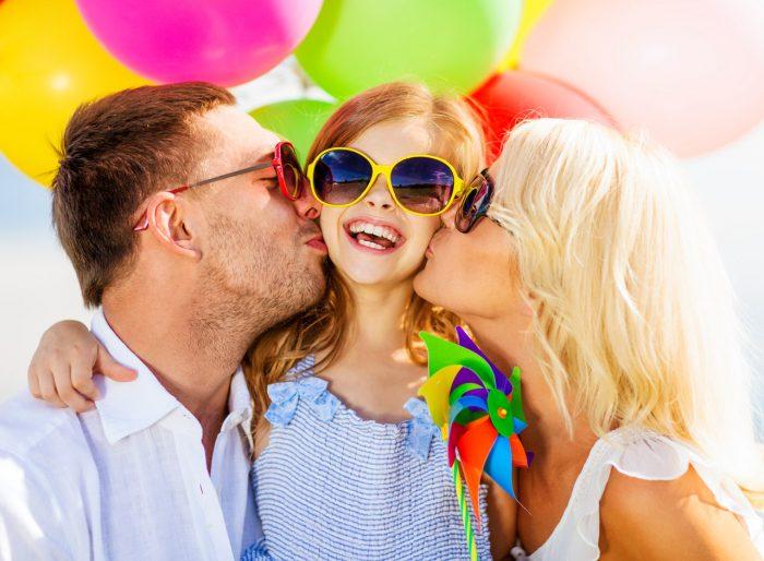 familia-feliz-vacaciones