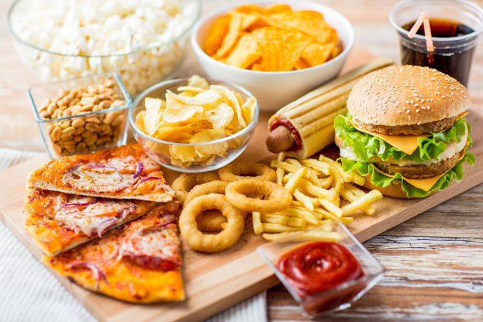 fast-food-comida-rapida-pizza-hamburguesa-frito-engordar-dieta-peso