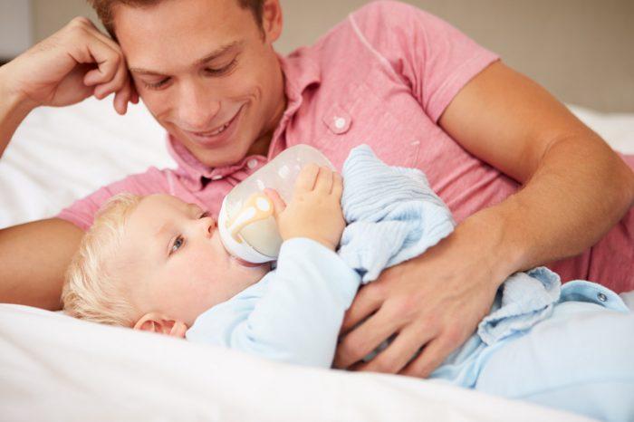 lactancia-materna-padre-madre-bebe