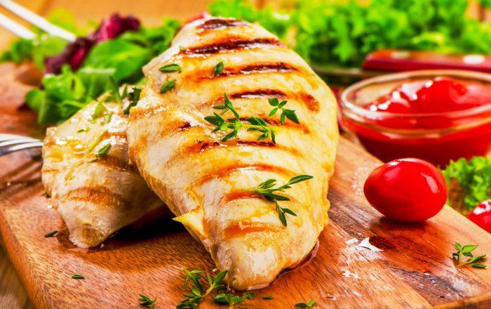 pechuga-pollo-plancha-comida-sana-cena-dieta-peso