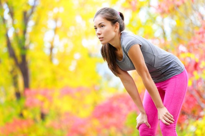 correr-runner-cansada-fatiga-flato
