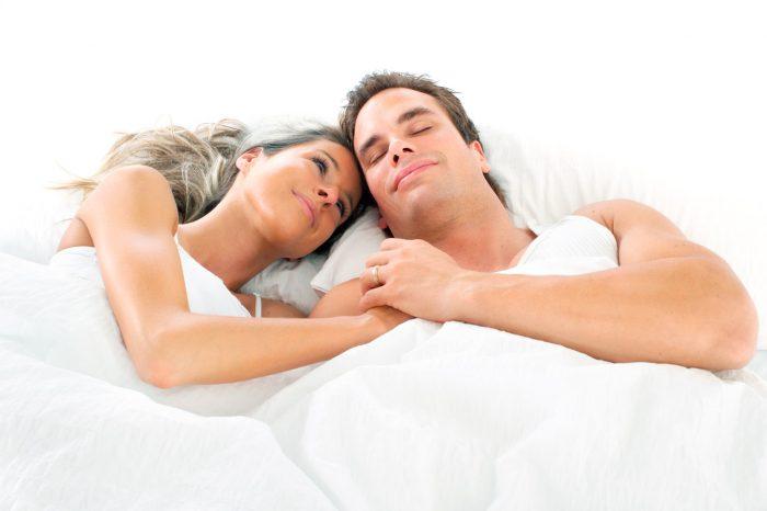 pareja-dormir-roncar