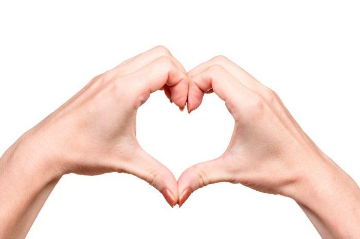 dolor-mano-muñeca-sindrome-tunel-carpiano-corazon-salud-feliz