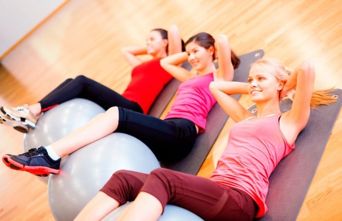 pilates-chicas-ejercicios-abdominales