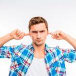 zumbidos-oidos-escuchar-estres-ansiedad