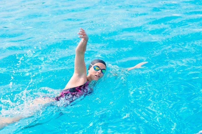 natacion-ejercicio-adelgazar-perder-peso