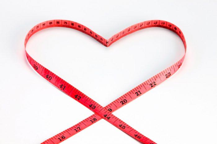 perder-peso-adelgazar-cinta-metrica-corazon