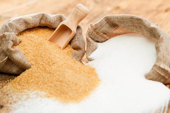 Descubre los 10 Peligros del Azúcar Blanco y sus 10 Mejores Sustitutos Naturales