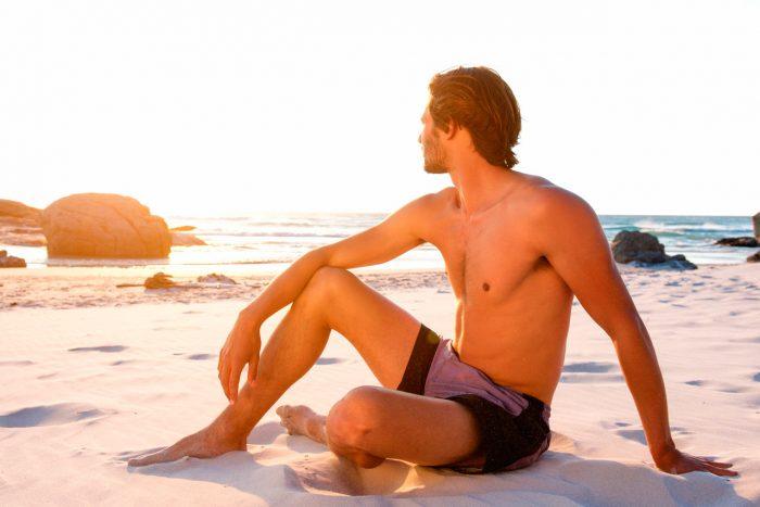 calor-sol-sudor-playa-verano