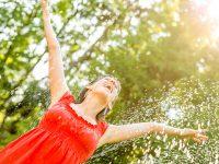 calor-sudor-sol-agua-feliz-libertad