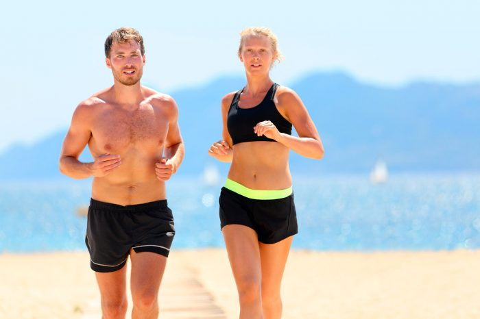 correr-ejercicio-perder-peso-adelgazar-running-playa-sol