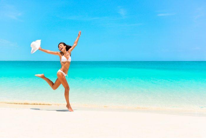 libertad-feliz-playa-sol-correr-estres-ansiedad