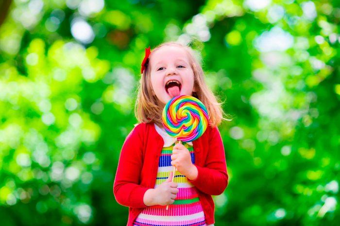 niño-niña-dulces-obesidad-infantil