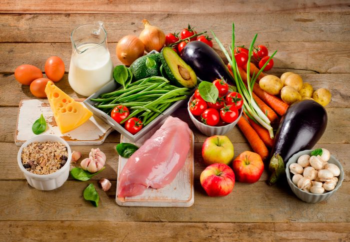 dieta-equilibrada-vegetales-frutas-lacteos-frutos-secos-vitaminas