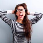 mujer-ataque-de-panico-ansiedad-estres