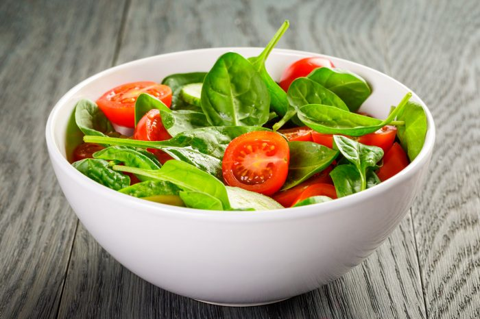 espinacas-ensalada-tomate