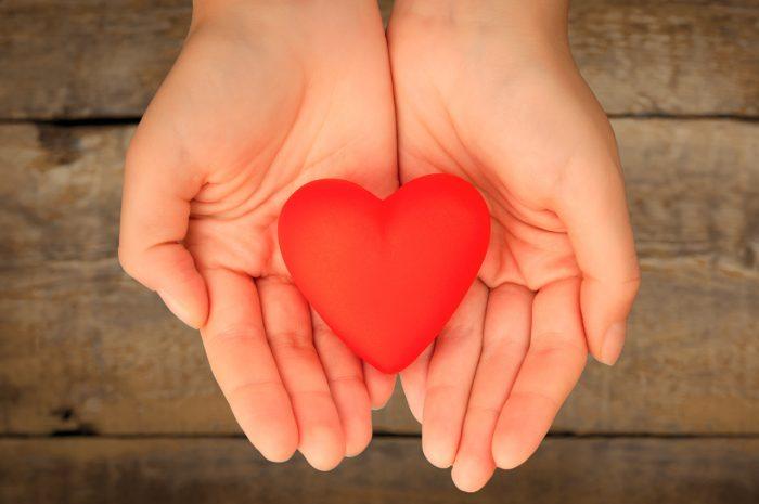 corazon-cuidar-manos-2