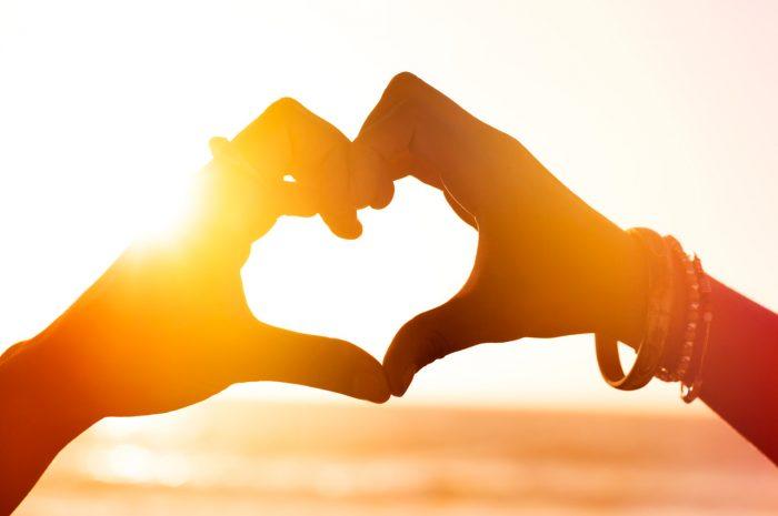 corazon-manos-sol