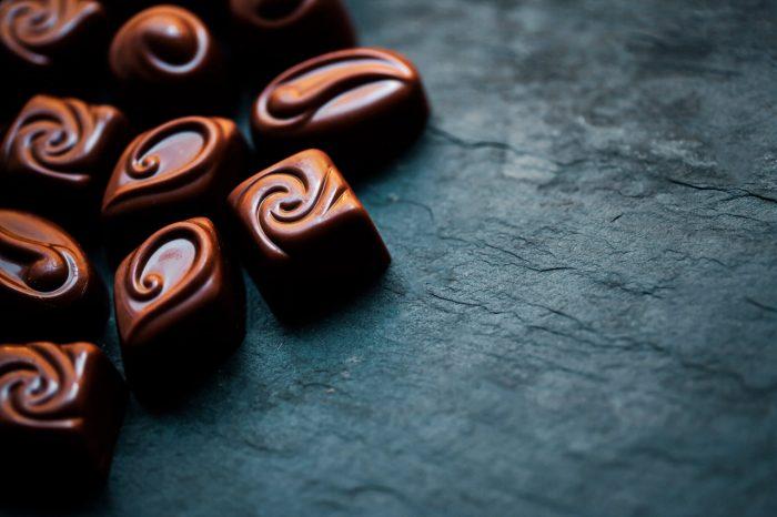chocolate-negro-bombones