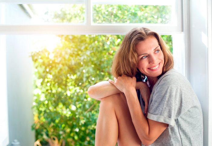 mujer-madura-feliz-sonrisa-felicidad-menopausia