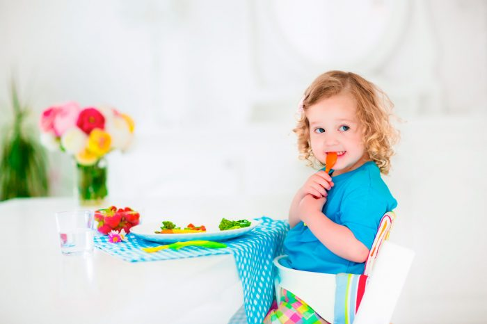 nina-nino-comer-verduras-frutas-2