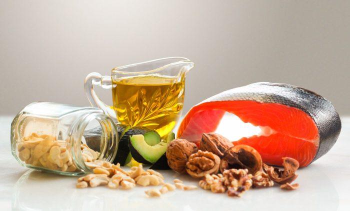 acidos-grasos-omega-3-salmon-frutos-secos-aguacate-semillas-lino-linaza-3