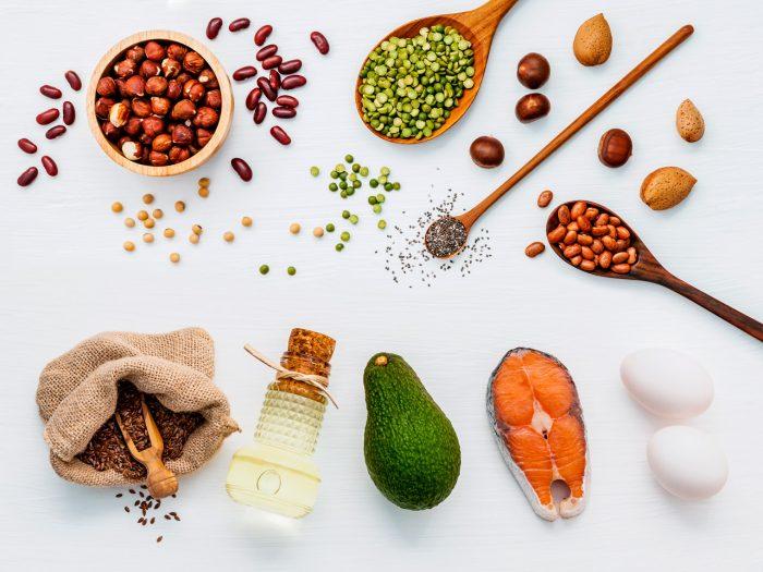 acidos-grasos-omega-3-salmon-frutos-secos-aguacate-semillas-lino-linaza-girasol-calabaza-aceitunas-3