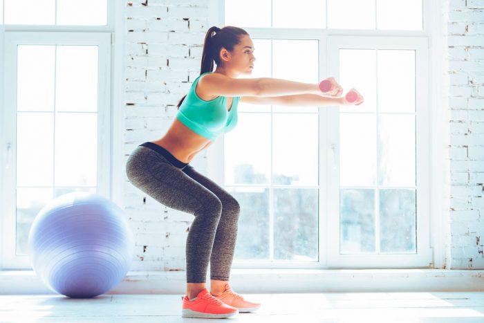 sentadillas-ejercicio-tonificar-piernas-perder-peso