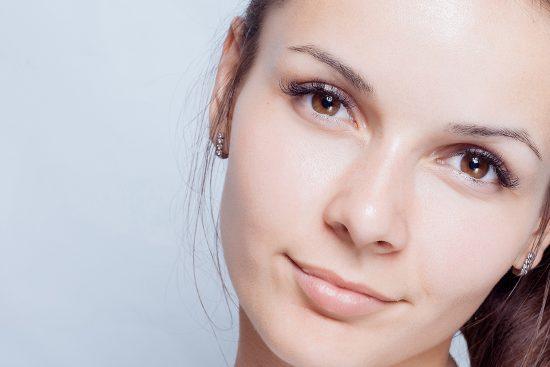 14 Tónicos Naturales para la Piel Grasa que te Encantará Descubrir