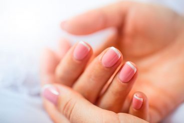 10 Remedios Naturales para Conseguir unas Uñas Fuertes y Sanas
