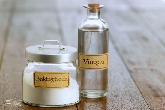 Cómo Eliminar el Mal Olor de las Cañerías Con Vinagre y Bicarbonato